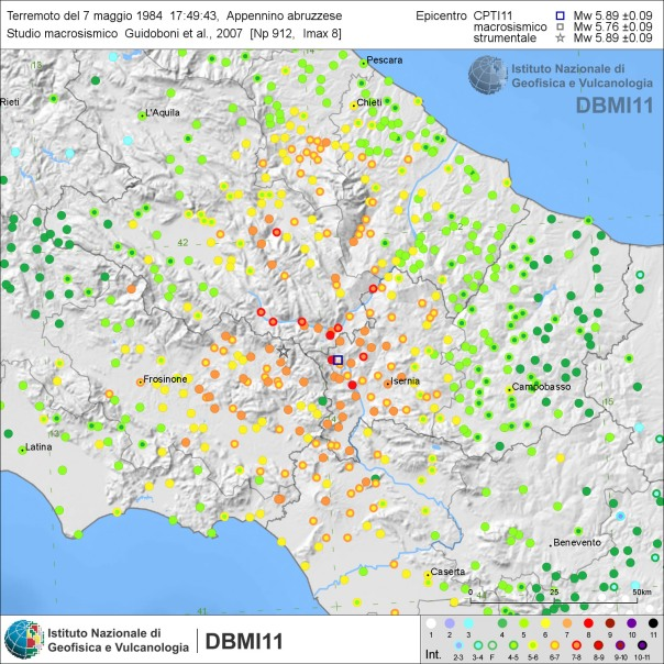 Effetti del terremoto del 6 maggio 1976. E' ben visibile la notevole estensione dell'area con diffusi effetti distruttivi (≥VIII grado MCS) (fonte: DBMI11).