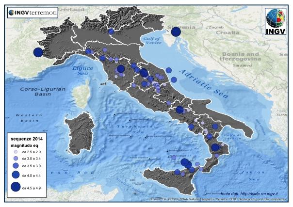 Distribuzione geografica delle 100 sequenze sismiche italiane del 2014 con almeno 5 terremoti. Le sequenze sono classificate e rappresentate in base al calcolo della loro magnitudo equivalente.