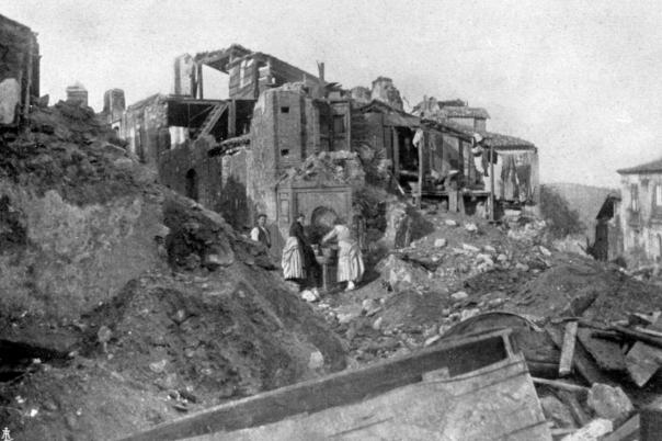 Sant'Eufemia d'Aspromonte (RC): abitazioni distrutte.