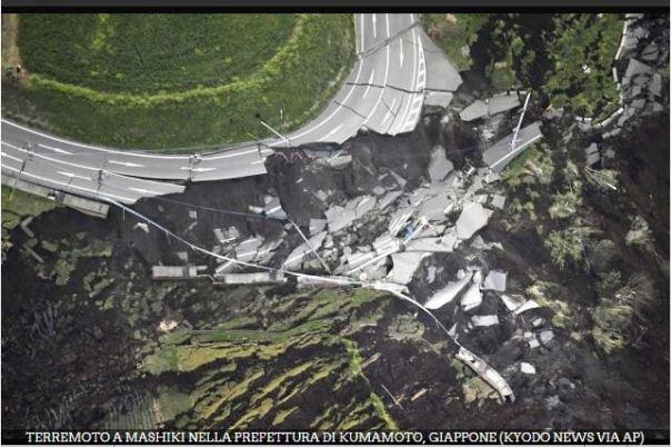 Movimenti franosi provocati dalla sequenza sismica in Giappone ( Foto Gallery RAINEWS www.rainews.it)