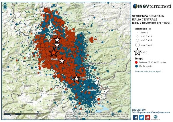 La sequenza sismica dal 24 agosto al 1 novembre. In rosso il terremoto del 30 ottobre alle ore 07:40 di magnitudo 6.5 (stella rossa) e le scosse successive.